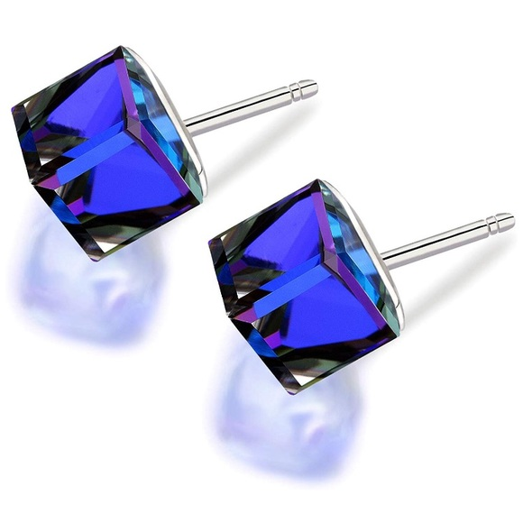 Lesa Michele Jewelry - NWOT Swarovski Crystal Cube Earrings 8mm